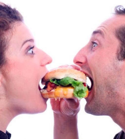 pareja-comer-sobrepeso-obesidad-sexo-falta_de_sexo-infertilidad-bajar_de_peso_mujima20100623_0048_202