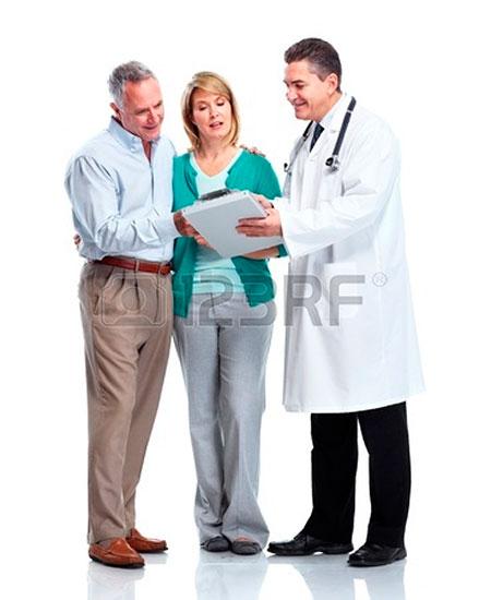 11454603-medico-y-paciente-pareja-de-alto-nivel