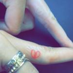 Tatuaje Kendall Jenner y Hailey Baldwin